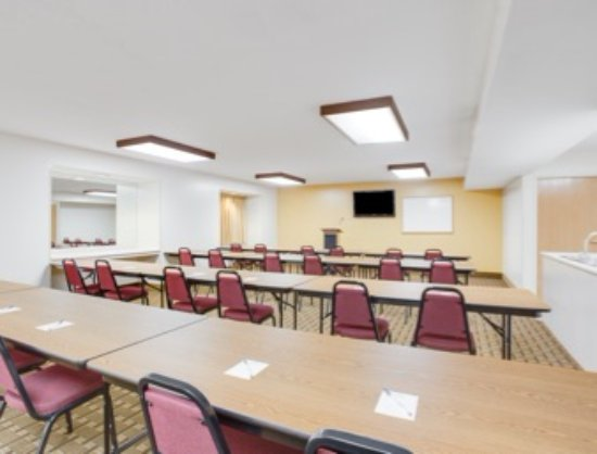 Christiansburg, VA: Meeting Room