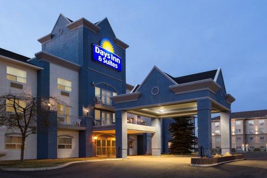 Days Inns & Suites - Brooks
