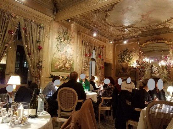 Salon Du Fond Picture Of La Salle A Manger Salon De Provence
