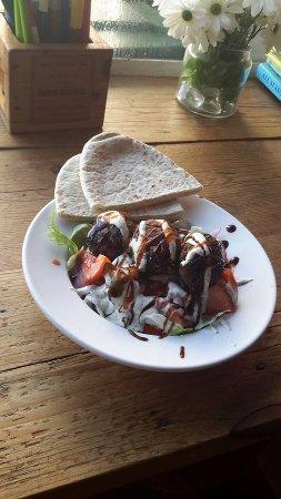 North Tawton, UK: A new addition to our menu. Moroccan Salad with Falafal (Veggi or vegan)