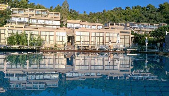 Vasilias, Grekland: Fra pool, en af flere.