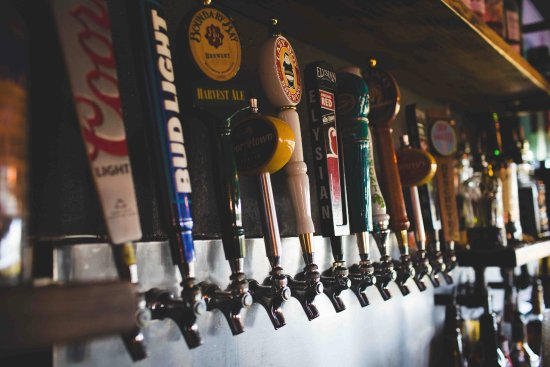 Camano Island, WA: 12 Rotating Beers on tap. Always something delicious! ~IPA's~Also have bottled beer and full bar
