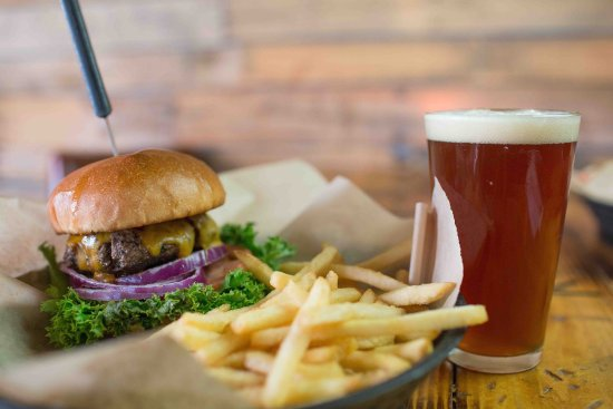 Camano Island, WA: Hand pattied Certified Angus Beef burger. Cold Beer, 12 on tap. Choice of french fry or tater to
