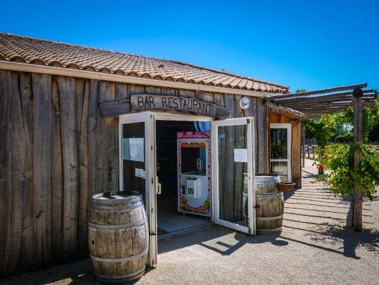 Vendee, Francia: Bar restaurant La Pergola dans le camping