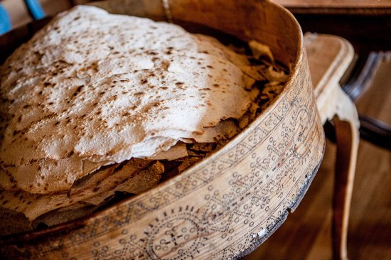 Tuddal, Norway: Flatbrød fra eget bakeri // Homemade flatbread