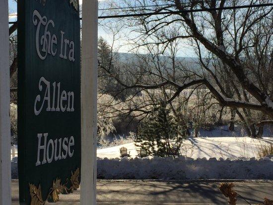 Arlington, Vermont: Frost on the Battenkill