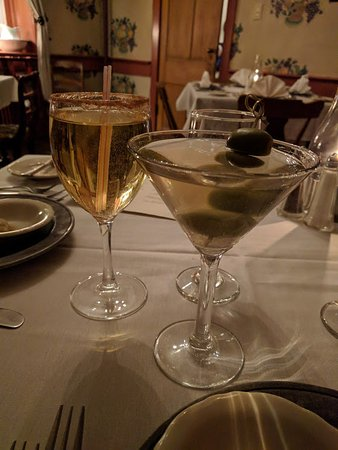 Boalsburg, PA: Apple Pie Sparkler & Dirty Martini