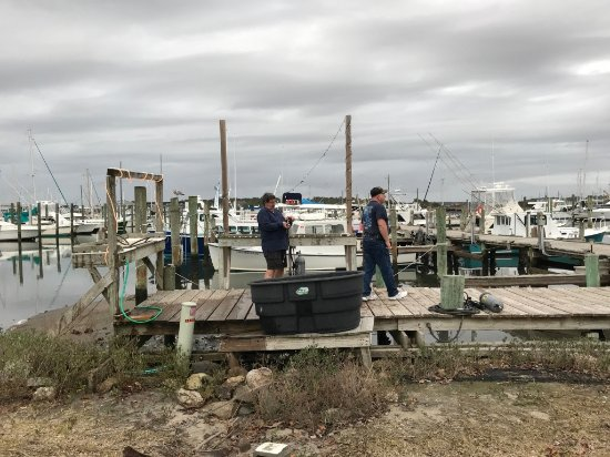 Beaufort, NC: Clean-up on the dock