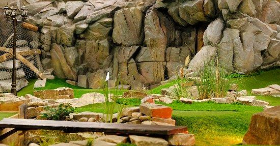 Gelsenkirchen, Germany: Abenteuer Minigolf im Alma Park