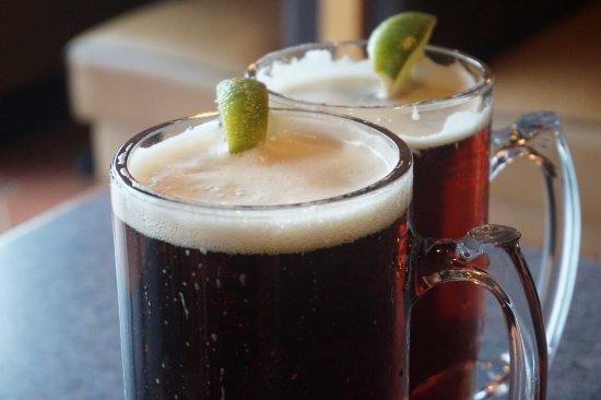 เมเปิลโกรฟ, มินนิโซตา: Join us every Wednesday for happy hour all day! We've great beer selection for everyone.