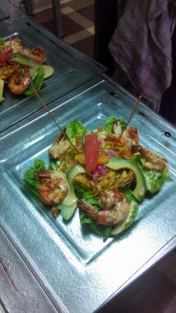 Saint-Evarzec, Francja: salade de gambas beurre d'agrumes