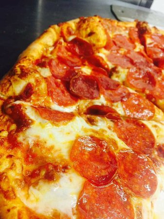 LaBelle, FL: Tuesday Night means Pizza Night