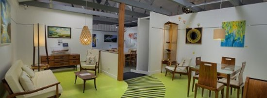 Mapua, Νέα Ζηλανδία: The retro room leading into the interactive room