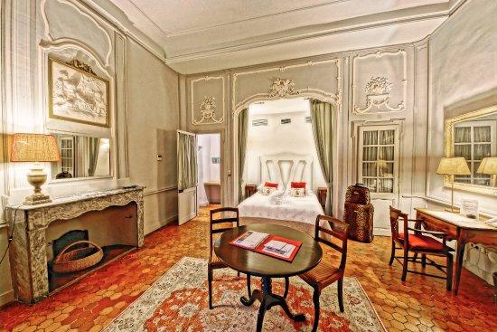 Chateau de Roussan: Suite Madame (embelli)