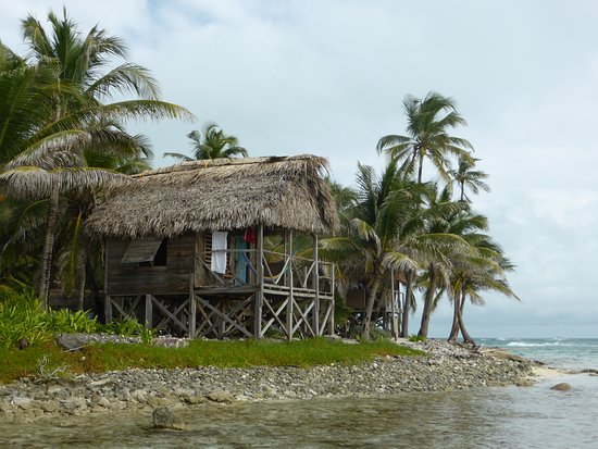 Glovers Reef Atoll, Belize: Our wonderful room for the week