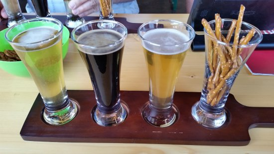 Cameron Park, Kalifornien: Special Tap Takeover night event & meet the Brewer