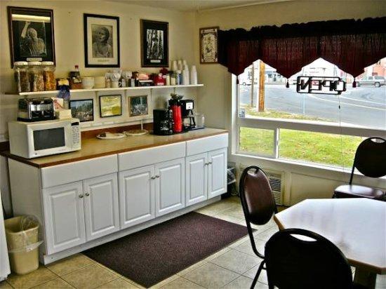 The Bridge Street Inn: Breakfast Area