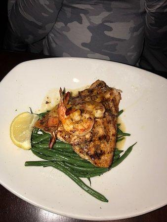 เวสต์มอนต์, อิลลินอยส์: Moroccan Salmon was delicious!