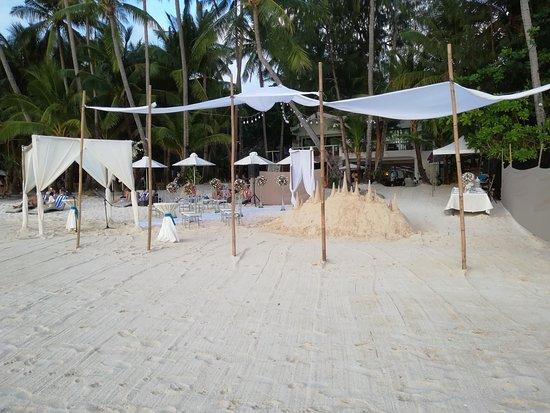 Ocean Breeze Inn Boracay : boracay beach front 4 mins walk from ocean breeze inn