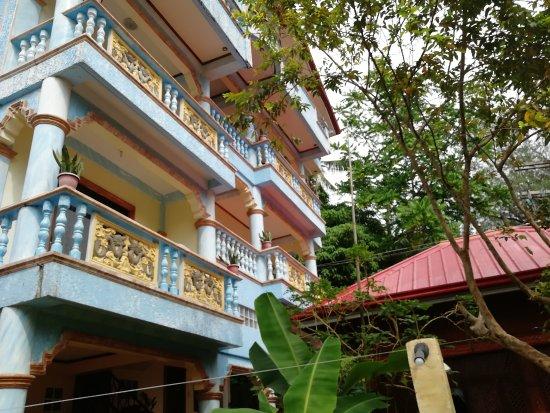 Ocean Breeze Inn Boracay : ocean breeze inn guesthouse bldg