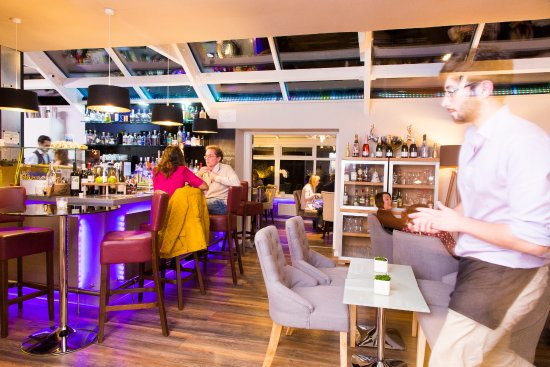Dalton, UK: Come and enjoy a drink at the bar
