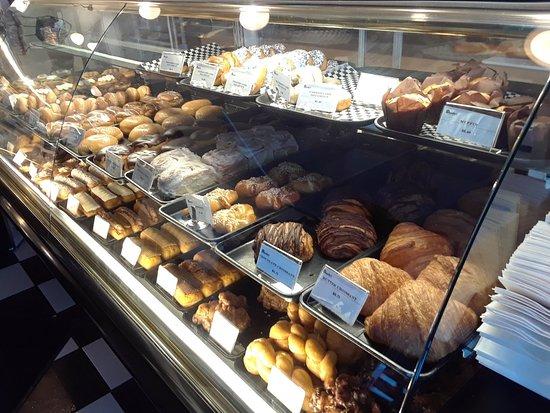 Daube's Cakes and Bakery: 20180117_145839_large.jpg