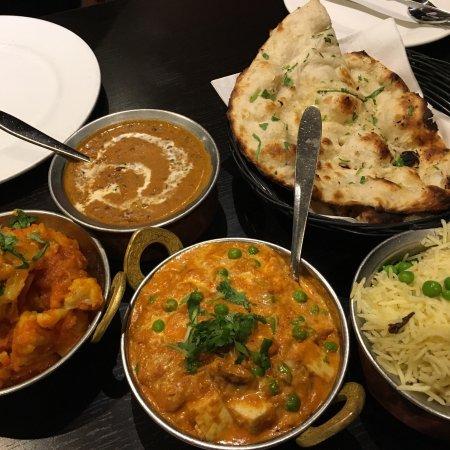 Indian Restaurant Near Thornhill