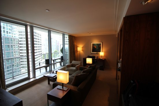 Shangri-La Hotel, Vancouver: Living room