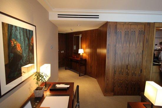 Shangri-La Hotel, Vancouver: Entryway