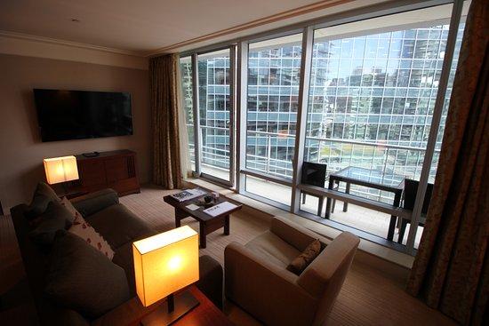 Shangri-La Hotel, Vancouver: Living room.