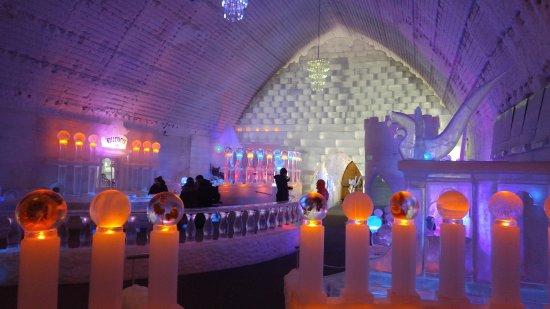 Fairbanks, AK: chena hot springs ice museum tour!!