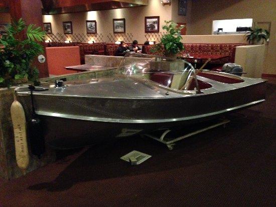Dam Bar & Grille : Inside the Restaurant