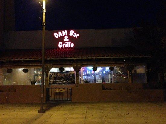 Dam Bar & Grille : Outside the Restaurant