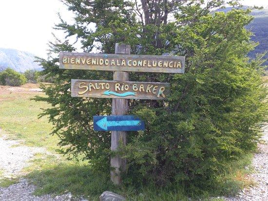Puerto Bertrand, Chili: Entrance