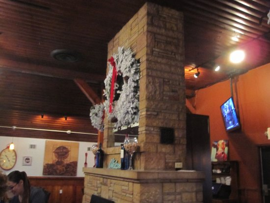 Mounds View, MN: Grand Fireplace