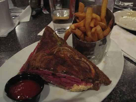 Mounds View, MN: Ruben with French fries