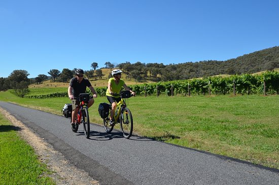 Beechworth, Australia: Riding the fantastic Murray to mountains Rail Trail