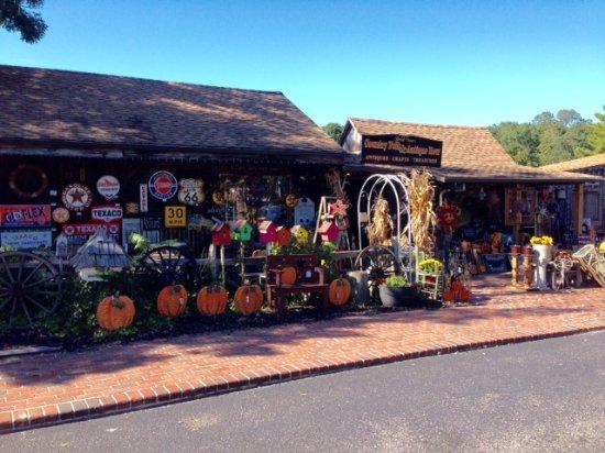 Smithville Antique shop