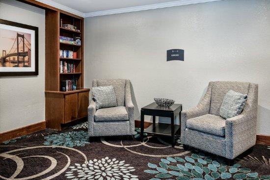 Staybridge Suites Austin-Round Rock: Lobby