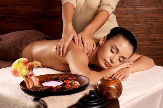 Aromatherapy Massage and Full Body Scrub Spa Treatment