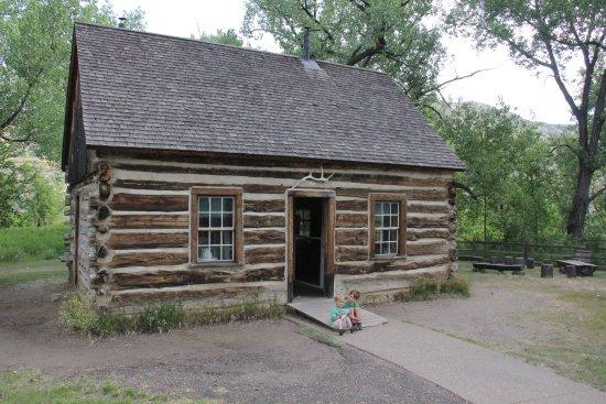 Theodore Roosevelt National Park: Roosevelt cabin.