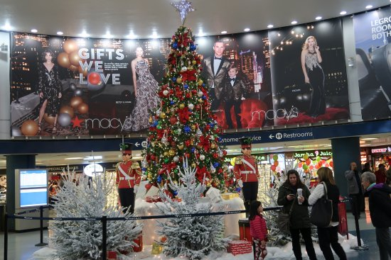 Amtrak: New York Penn Station with Christmas Tree and decorations