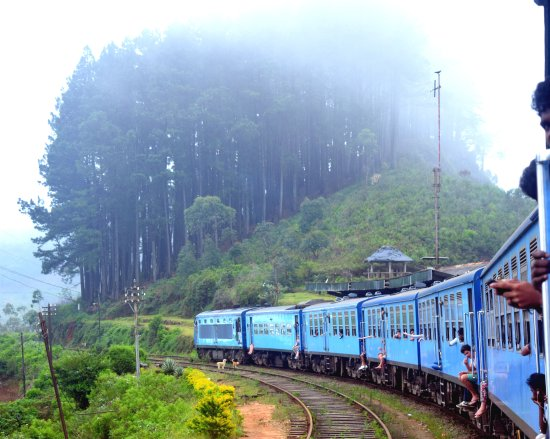 Uva Province, Srí Lanka: A railway station in up country rail route called 'Idalgashinna'.