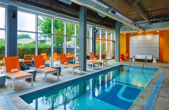 Aloft Houston by the Galleria: Pool