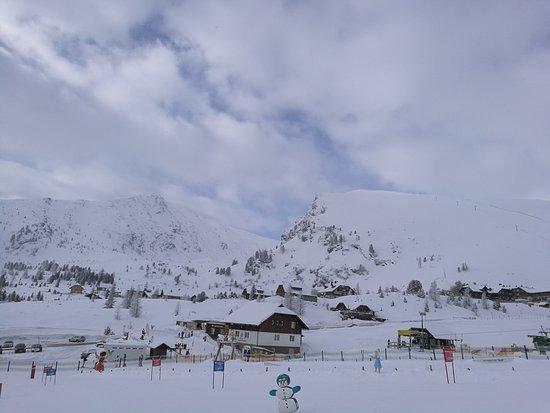 Patergassen, Austria: hotel a hegytetőről