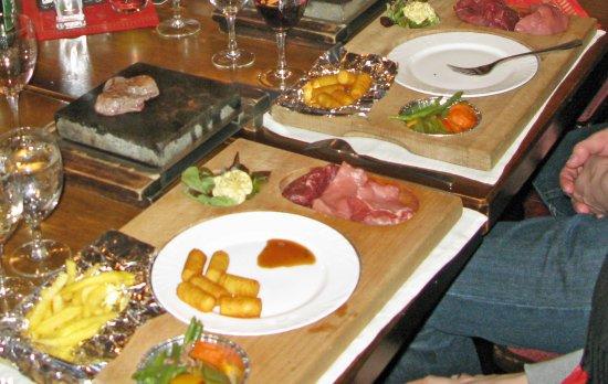 Saas-Almagell, Svizzera: Grillstein-Plausch mit Fleischsorten nach Wahl