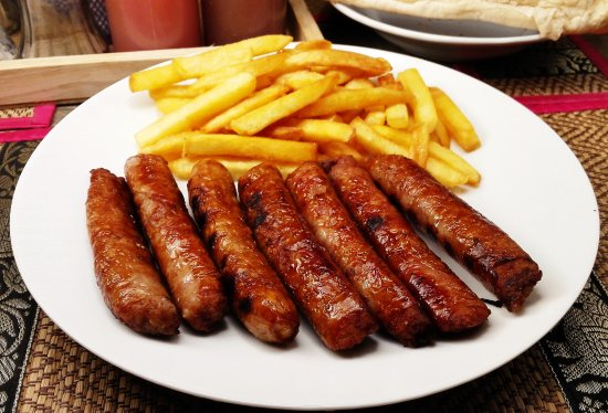 DD Fusion Food & Homestay: Every day you can eat >>> Pork sausages with french fries or vegetable salad for 160฿ <<< betwee