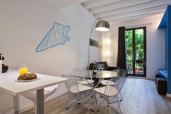 Habitat apartments adn desde barcelona espa a for Alojamiento en barcelona espana