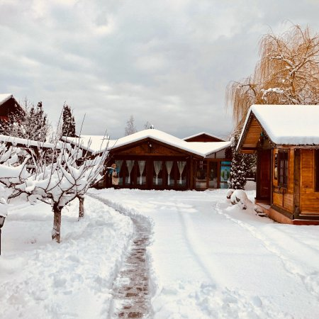Cisnadioara, Rumänien: Winter wonderland are the perfect words to describe this location!