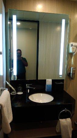 Holiday Inn Kuala Lumpur Glenmarie: P_20180106_200108_large.jpg
